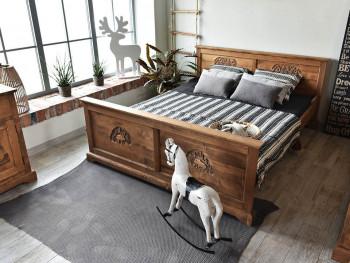 łożko do sypialni w stylu rustykalnym