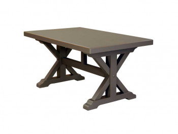 masivní dřevěný stůl
