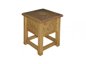 Vyřezaná stolička Jagna 1