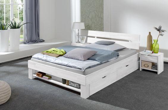 Białę łóżka