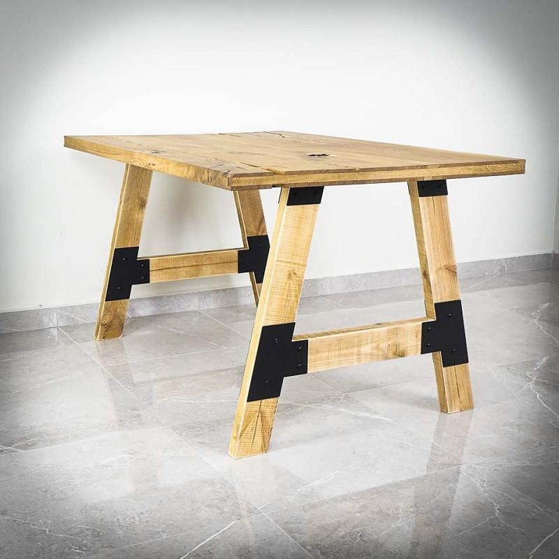 nohy ke stolu