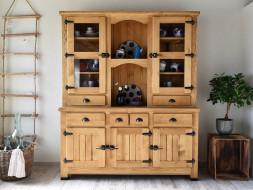 Dřevěný příborník vintage