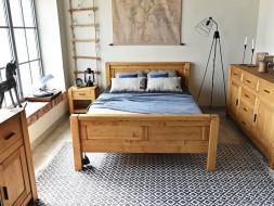 łóżko z litego drewna świerkowego