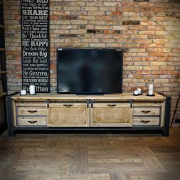 Borovicový stolek pod televizi
