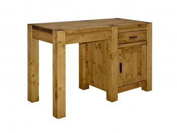 Stůl ze smrkového dřeva