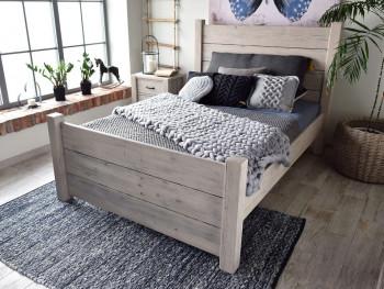 Rustikální postel dřevěná