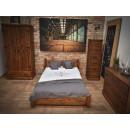 Manželská postel z masivního borovicového dřeva