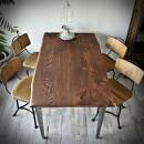 jídelní stůl z dubové desky