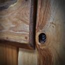 detail dubových dveří