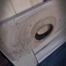 detail jasanových dveří