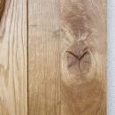 masivní dřevo z uzly a prasklinami