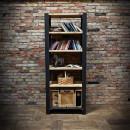 Dřevěná knihovna s kovem