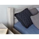 Rustikální dřevěná postel