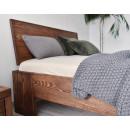 Borovicová postel v moderním stylu