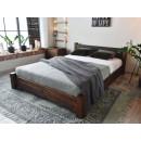 Pohodlná postel z masivní borovice