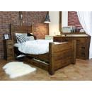 Jednolůžková postel z borovicového dřeva