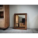 Zrcadlo s masivním rámem z borovicového dřeva