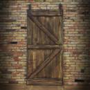 zdobení dveří dřevěnými latěmi