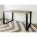 prostorný stůl