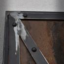 detail kovového rámu