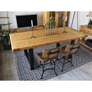 Dřevěný borovicový stůl