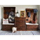 Dřevěný nábytek do vaši předsíně