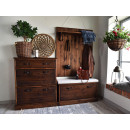 Dřevěný nábytek z masivní borovice
