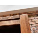 Dřevěná skříň do ložnice
